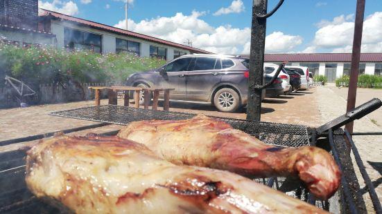 格桑花農莊碳火烤羊腿