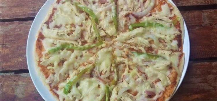Lola's Pizza