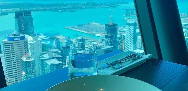 Orbit 360° Dining2