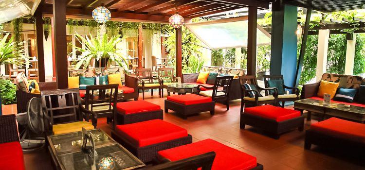 Kantok Restaurant at Burasari Resort3
