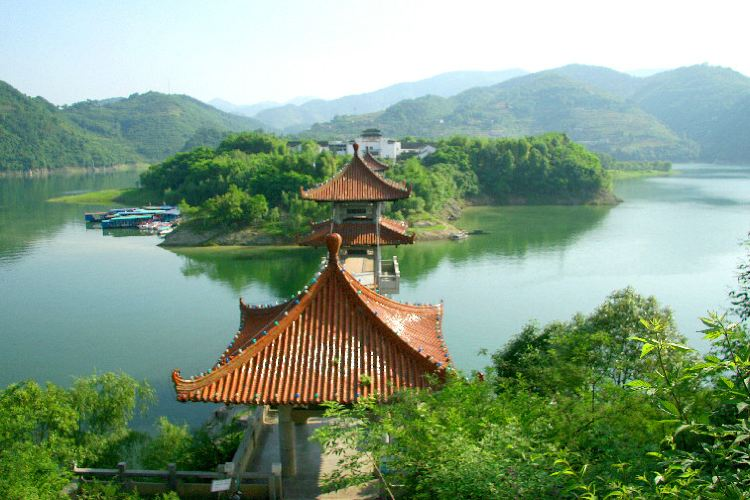 瀛湖翠屏島
