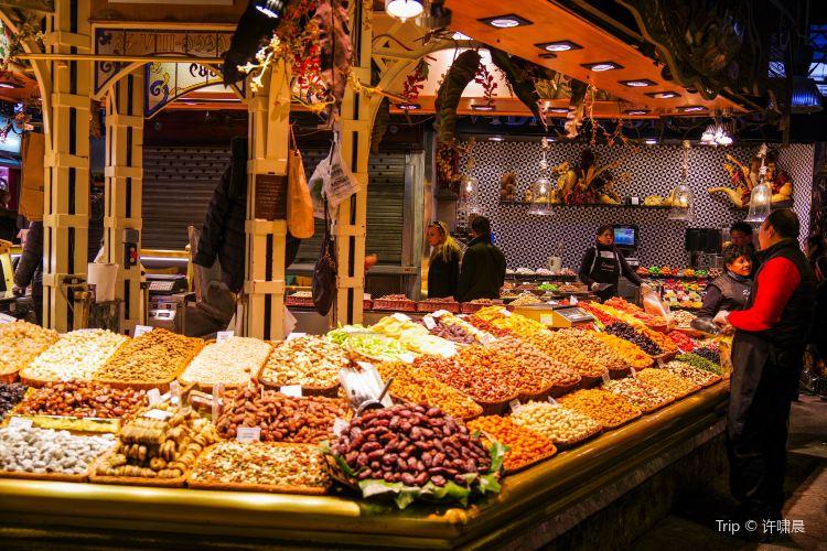 波蓋利亞市場1