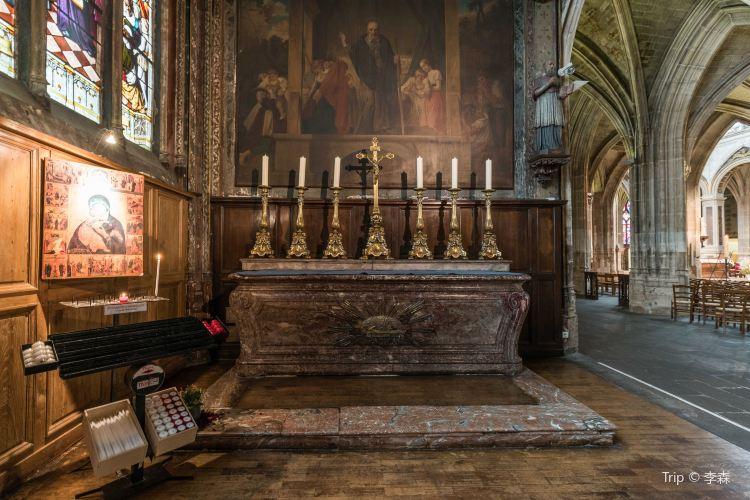 聖塞味利教堂3