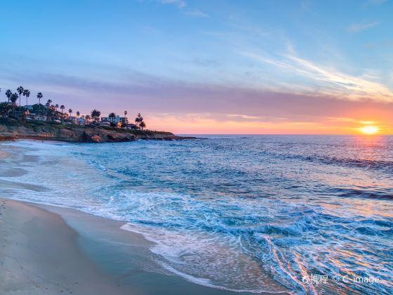 拉霍亞海灘