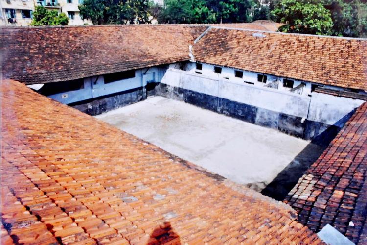 Hoa Lo Prison3