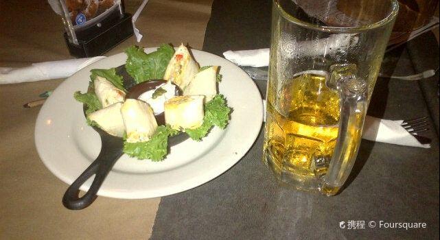 Montana's BBQ & Bar2