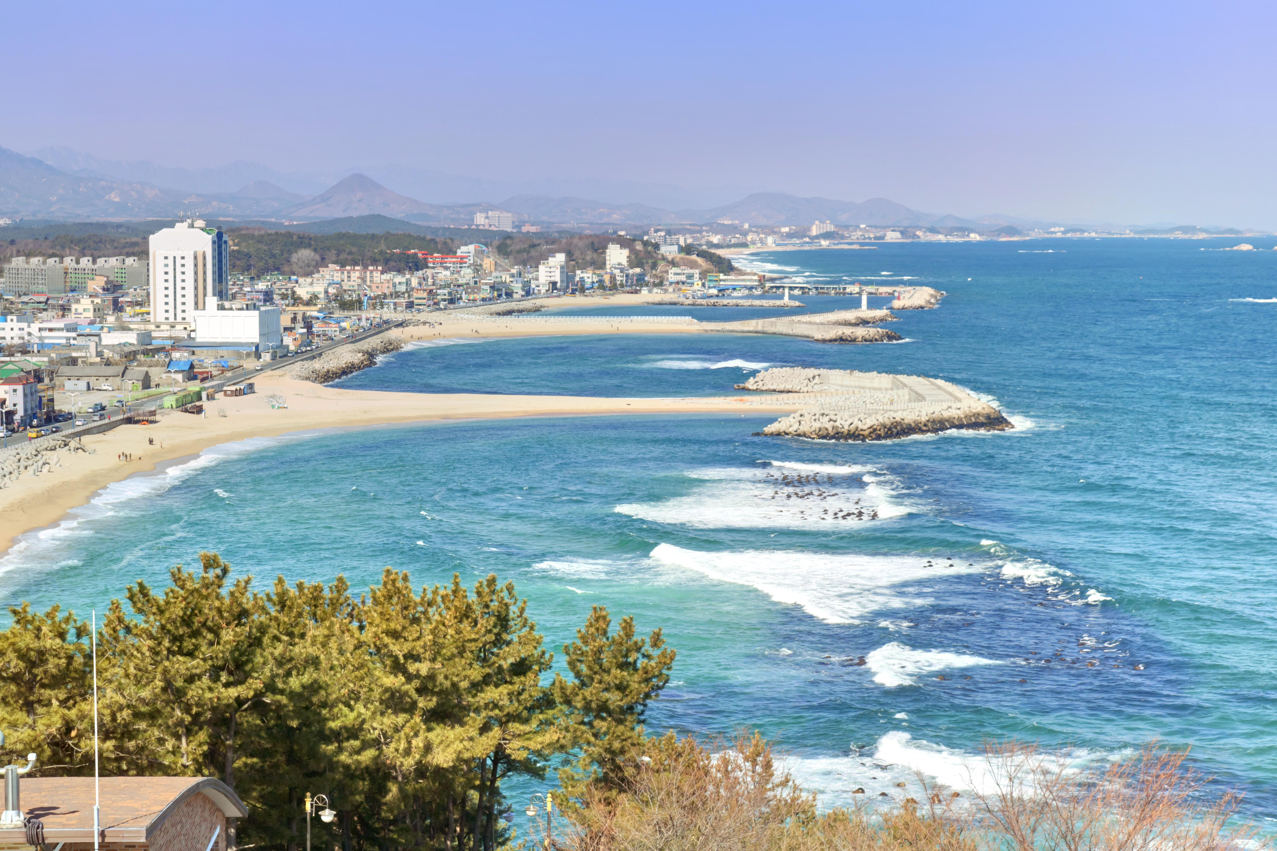 Sokcho Beach travel guidebook –must visit attractions in Sokcho-si – Sokcho  Beach nearby recommendation – Trip.com