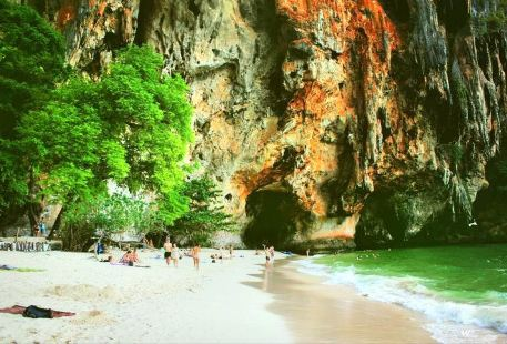 Phra Nang Cave