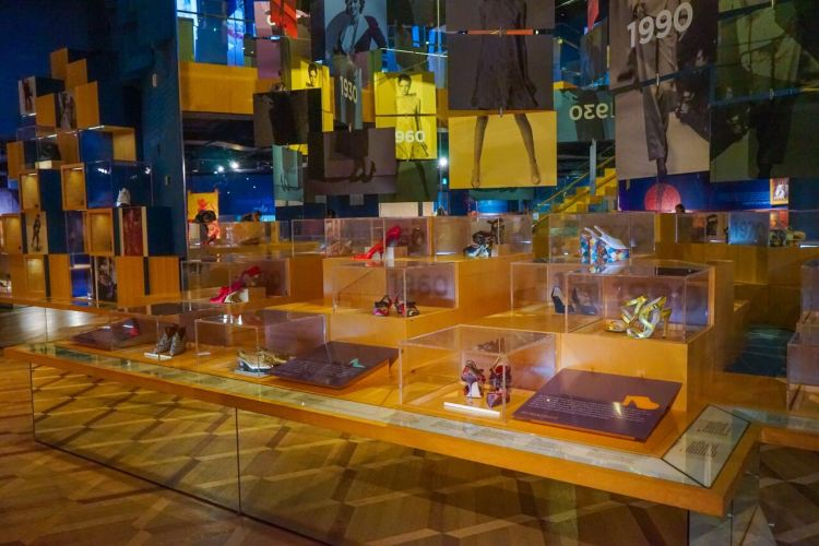 Bata Shoe Museum4