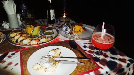 Shades Beach Restaurant & Wine Bar