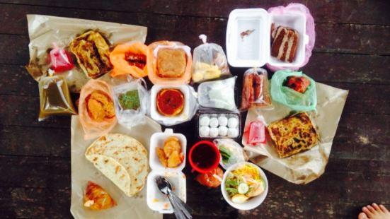 Pasar Malam Gong Badak