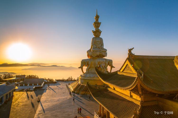 Golden Peak Temple1