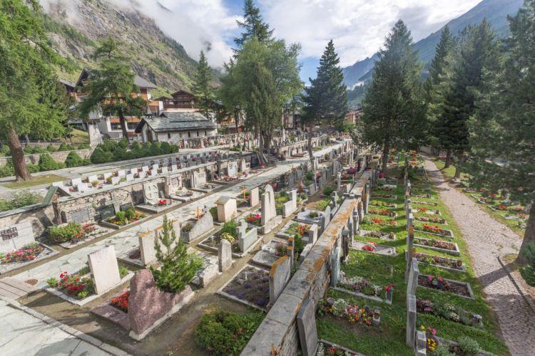 Mountaineers' Cemetery2