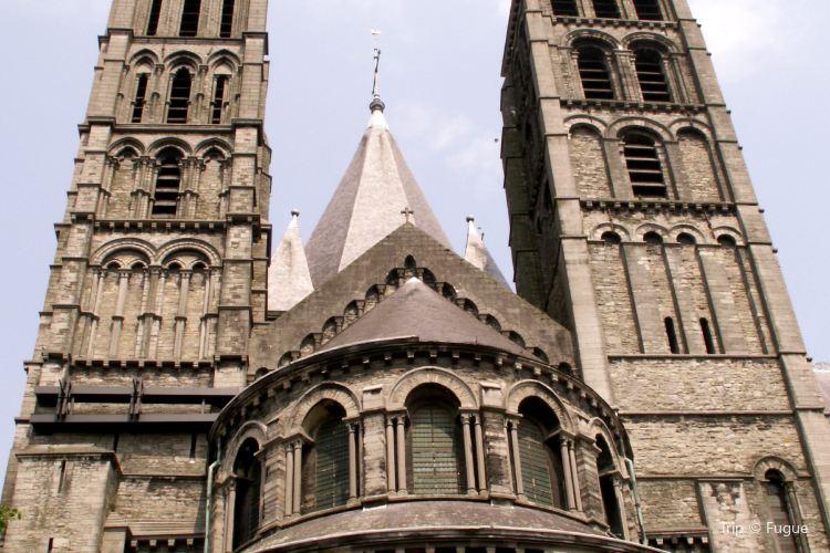 圖爾奈聖母大教堂 Notre Dame Cathedral in Tournai2