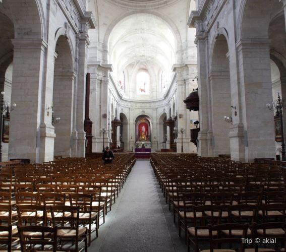 Cathedrale Saint-Louis2