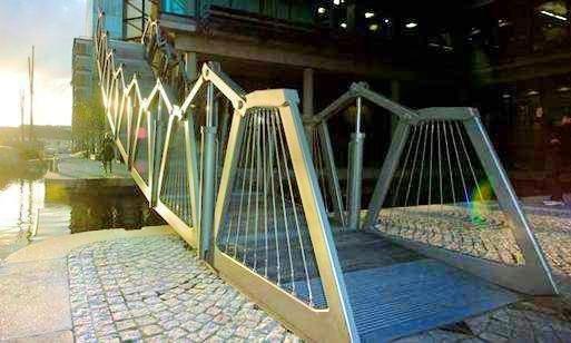 滾輪活動橋