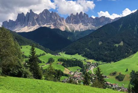 Dolomite Treks - Day Excursions