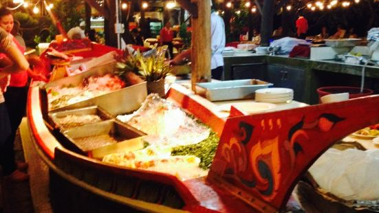 Beachfront Restaurant at Chaokoh Phi Phi Lodge