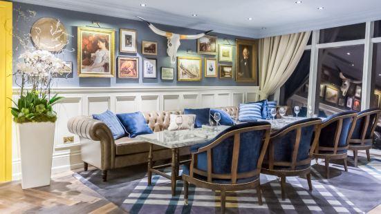 Weslodge Saloon Dubai