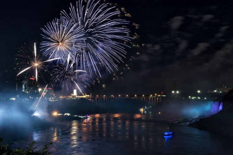 Hornblower Niagara Cruises3