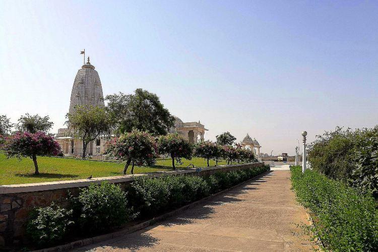 拉克施密-拿拉央那神廟1
