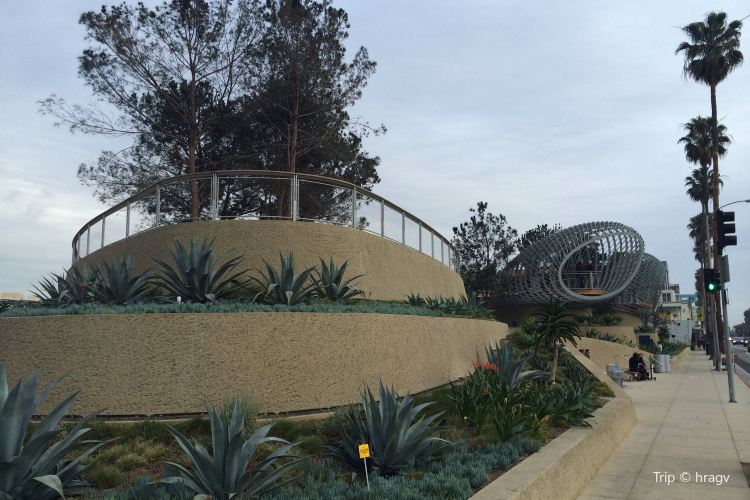 Tongva Park1
