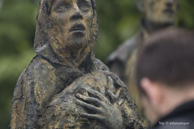 Famine Memorial2