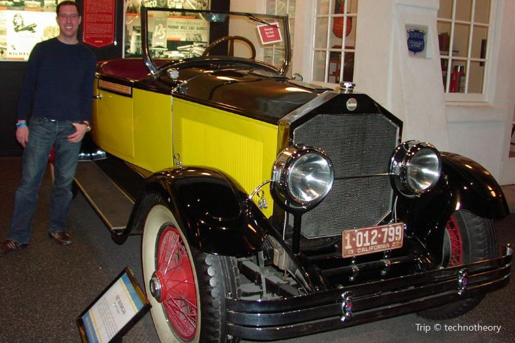 Petersen Automotive Museum2