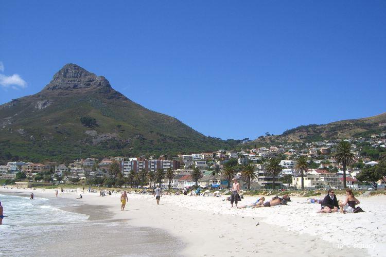 Camps Bay Beach2