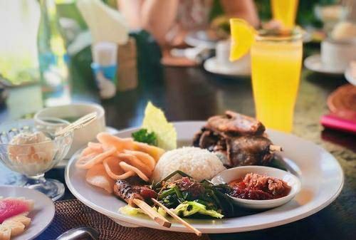 Laka Leke Restaurant2