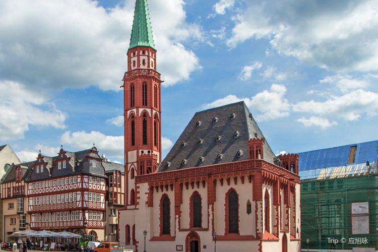 Old Nicholas Church (Alte Nikolaikirche)1