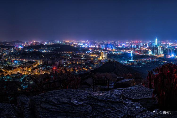Thousand Buddhas Mountain