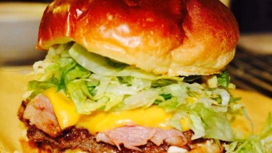 KC's Burgers and Brews