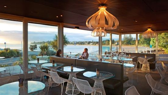 Takapuna Beach Cafe and Store