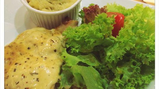 La France Cafe and Restaurant
