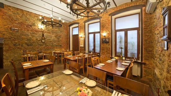 Babel Cafe & Restaurant