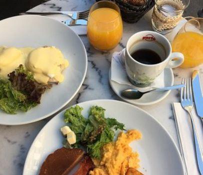 Á la Maison Breakfast and Brunch Restaurant3