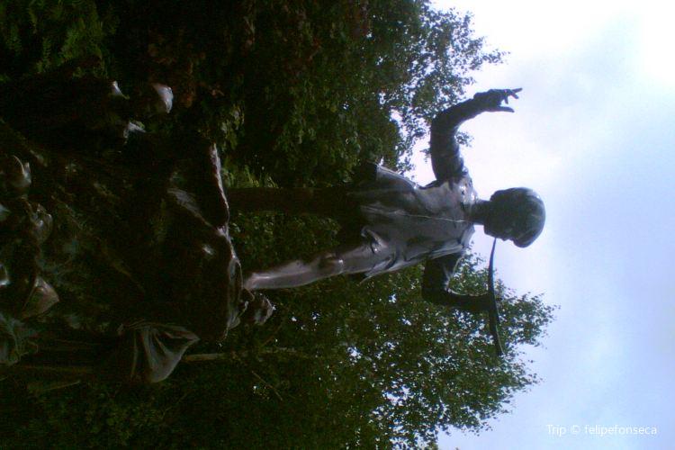 Peter Pan Statue4