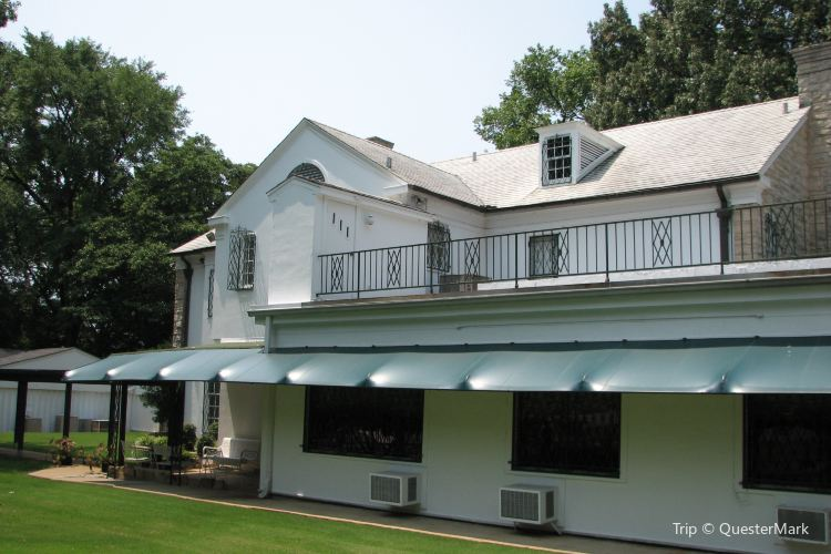 Elvis Presley's Home3