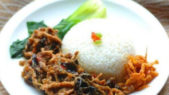 燜天下黃燜雞米飯