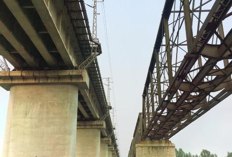 Luanhe Big Iron Bridge