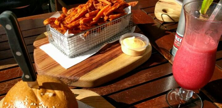 Longboards Laidback Eatery & Bar3