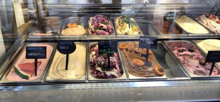 Luka Ice Cream & Cakes2