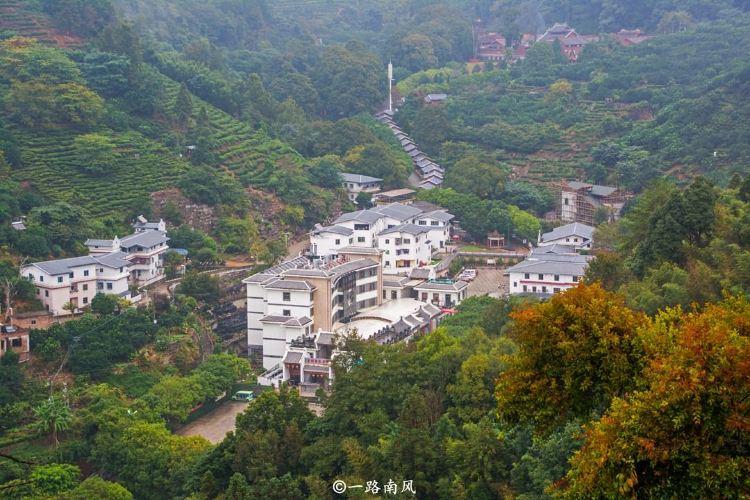 Yinna Mountain (Lingguang Temple)2