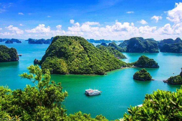 Paradise Island Titop Island1