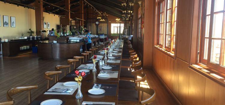 Ladder Beach Restaurant1