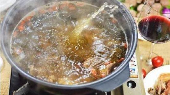 寬度鮮牛火鍋
