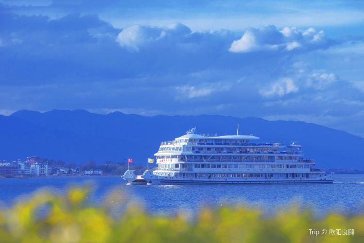Erhai Lake Cruise3