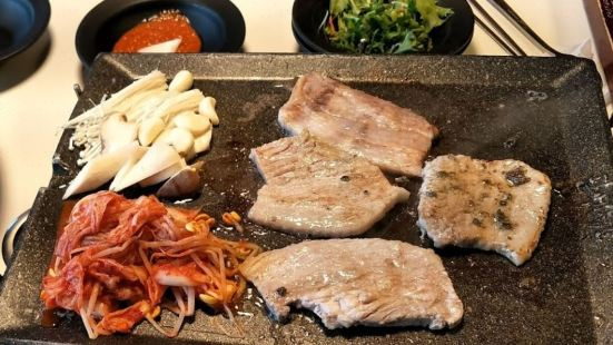 八色烤肉(東大門店)