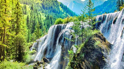 諾日朗瀑布